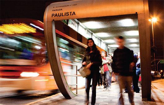 Congresso Nacional: Lei Nacional para que mulheres possam descer do ônibus fora do ponto depois das 22h