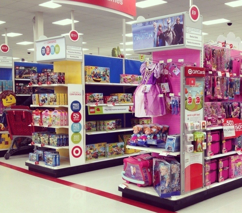 Boy Toys Toys R Us Aisles : Petition · remove gender coding pink and blue walls from