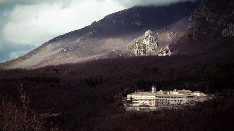 https://www.change.org/p/papa-francesco-mantieni-una-comunit%C3%A0-monastica-a-trisulti